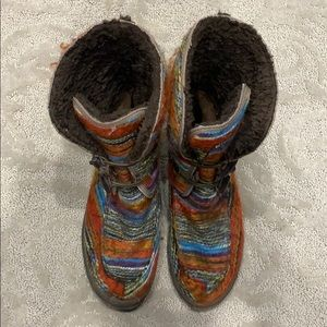 Sanuk Boots Womens 10 Multicolor Lined